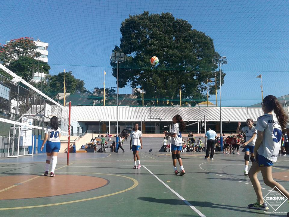 Equipes do Voleibol participam do Festival de Voleibol Mercantil do Brasil